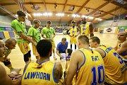 Jindřichohradecká Basket Fio banka v domácí premiéře prohrála s Kolínem. Foto: Milan Havlík