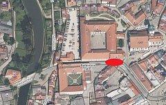 Víkendová uzavírka na Balbínově náměstí omezí dopravu v centru.