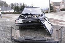 Dopravní nehoda ve Starém Hobzí.