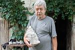 Jan Šnelzer vyráběl trpaslíky déle než třicet let.