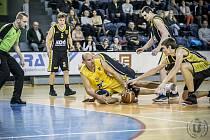 Basketbalisté Jindřichova Hradce si v jihočeském derby poradili s Pískem v poměru 101:80.