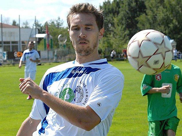 Třeboňský obránce Milan Bláha střetnutí v Jankově kvůli červené kartě nedohrál.