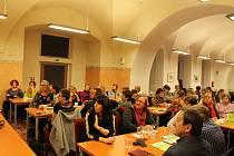 Poskytovatelé sociálních služeb se při plánování sešli s vedením města.