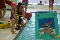 Jindřichohradecký plavecký bazén slavil pět let od znovuotevření po modernizaci. Na děti čekaly vyhlášení výtvarné soutěže a úkoly ve vodě.