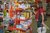 Prodejna drogerie v obchodním domě JH-Markt.