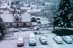 Přestože do Starého Města pod Landštejnem včera přiletěl i druhý čáp, sněžilo 28. dubna i tady.