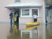 Povodně 2002 na Jindřichohradecku. Hasičárna Třeboň.