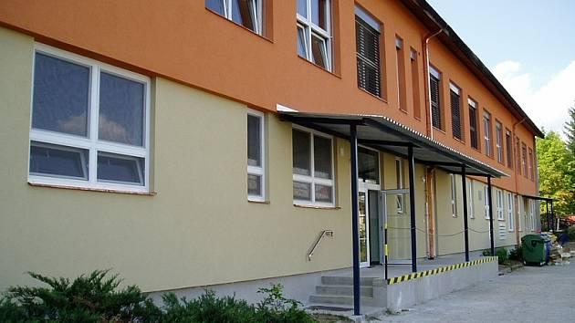 Základní škola ve Studené