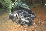 """U Majdaleny na rozcestí """"U Červeného kříže"""" bylo nalezeno havarované osobní vozidlo tovární značky Škoda Fabia. Policie stále pátrá po řidiči."""