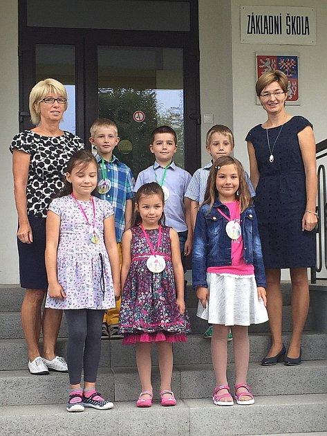Žáci zprvního ročníku ze základní školy vJarošově nad Nežárkou.