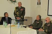 Beseda s bojovníky 2. světové války armádním generálem Tomášem Sedláčkem a brigádním generálem Alexandrem Beerem.
