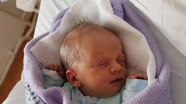 Martin Ježek, Třeboň.Narodil se 26. listopadu mamince Darině Ježkové a tatínkovi Martinu Ježkovi. Vážil 3780 gramů.