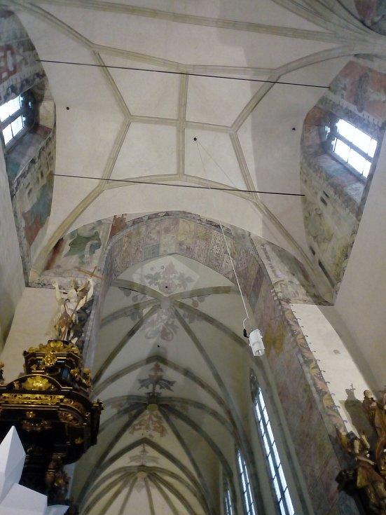 Kostelem sv. Jana Křitele vás letní pátky provedou architekti, kunsthistorici a další odborníci.