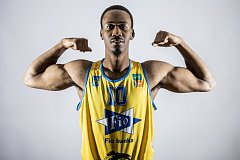 Hradecké basketbalisty posílil Američan Josh Turner.
