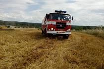 Požár na poli s ječmenem zaměstnal v pondělí 10. července několik požárních jednotek z Jindřichohradecka.