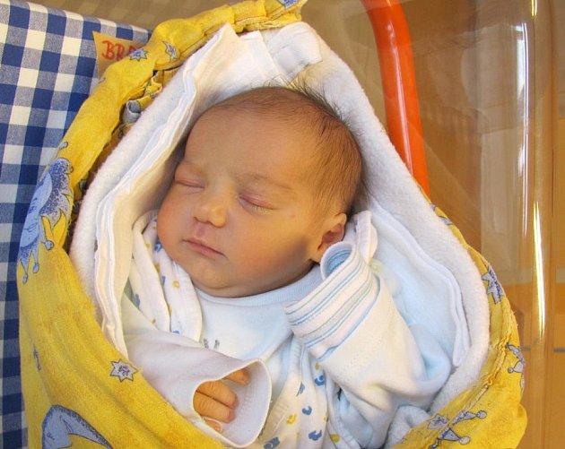 Aneta Brabcová z Břilic se narodila 6. října 2011 Lence a Karlovi Brabcovým. Měřila 50 centimetrů a vážila 3 080 gramů. Doma se na sestřičku těšila tříletá Monika.