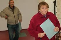První voliči již odvolili i v 1. základní škole v Jindřichově Hradci.