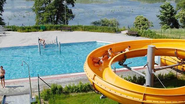 Tobogán v jindřichohradeckém vodním parku láká hlavně děti.
