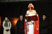 V Třeboni předcházel rozsvícení vánočního stromu bohatý program.