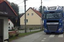 Kamion v Dolní Lhotě.