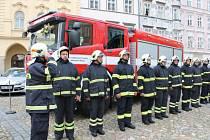 Jindřichohradečtí dobrovolní hasiči získali nové zásahové vozidlo.