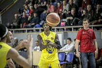 Nejlepší střelec I. ligy KJ Arrington pomohl hradeckým basketbalistům k výhře nad Olomoucí 39 body.