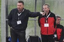 Trenér třeboňských fotbalistů Zdeněk Procházka (vlevo) a jeho asistent Jan Budějcký.