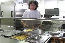 Slavnostní otevření nové školní jídelny v Nové Bystřici.