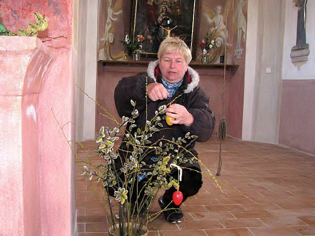 Velikonoční výzdobu kaple připravovala Hana Hrubá.