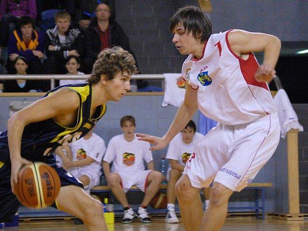 V dresu Lions se letos výrazně prosazuje i talentovaný Jan Čech (vpravo).