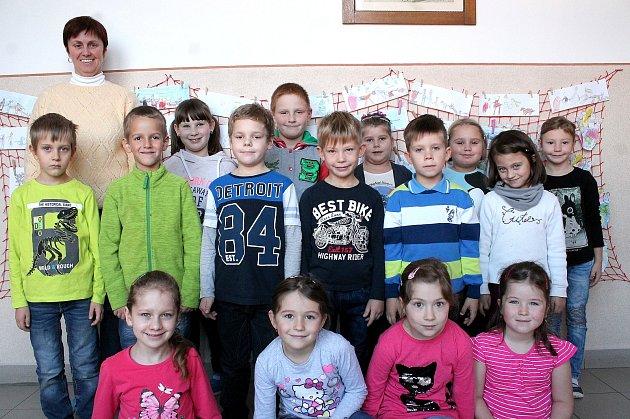 Žáci 1.Aze základní školy vKardašově Řečici.