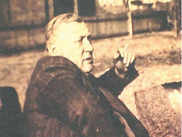 Albín Hill.