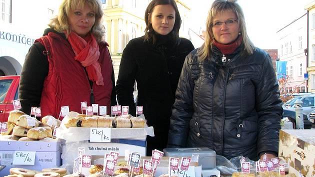 Pracovnice Oblastní charity v Třeboni, zcela vpravo je její ředitelka Lucie Bicková.