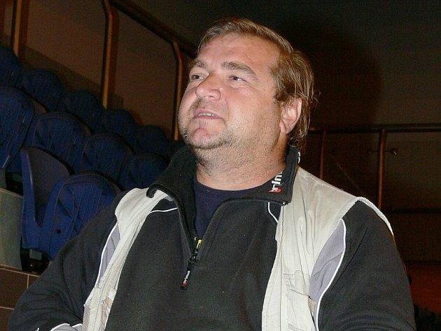 Asistent trenéra třeboňských extraligových házenkářů Karel Petržala ví, že se Jiskra ocitla ve velmi nepříjemné situaci. V záchranu věří, ale tvrdí, že tým musí být připraven i na variantu baráže.