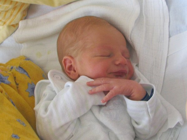 Jiří Bílý se narodil 10.října ve 20hodin a 52minut Lucii a Jiřímu Bílým zOtína uJindřichova Hradce. Vážil 3020gramů a měřil 49centimetrů.