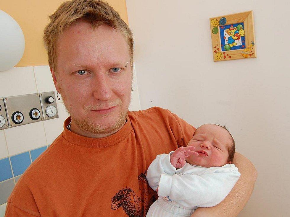 Daniel Rytíř z J. Hradce, 7. srpna 2009, 3610 gramů, 50 centimetrů