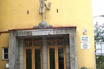 Obchodní akademie v Jindřichově Hradci.