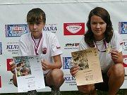 Na snímku nejúspěšnější trojice ze závodu přípravek: (zleva) druhý Adam Mikulášek, vítěz Vít Mikulášek (oba Staré Město) a třetí Tomáš Pscheidt ze Železné Rudy.