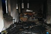 Svíčka bez dozoru způsobila v Branné požár domu za půl miliónu.