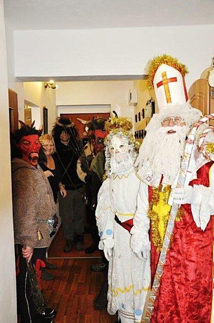 Mikulášská obchůzka ve Starém Městě pod Landštejnem.
