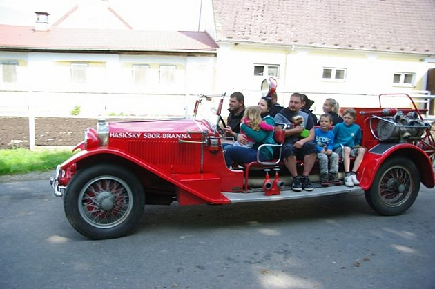 Dobrovolní hasiči v Branné pořádali Den dětí.