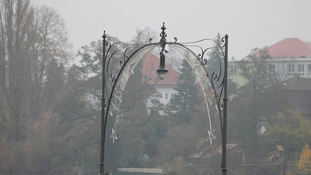Vánoční výzdoba v Jindřichově Hradci. Ilustrační foto.