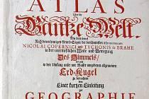 Restaurovaný titulní list atlasu světa z roku 1714.