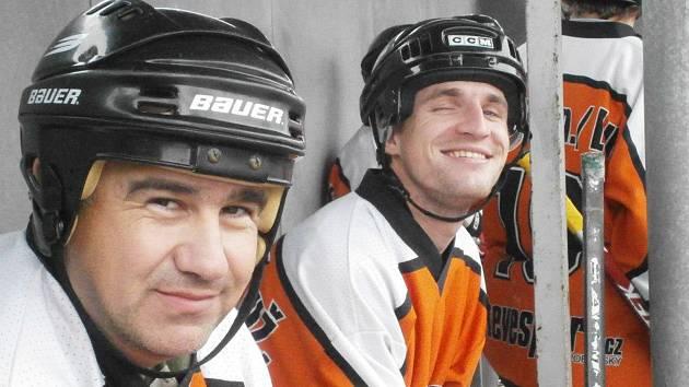 Martin Lakatoš (vlevo) odehrál v dresu SK Suchdol 540 utkání.