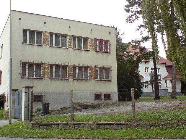 Budova bývalé vojenské správy.