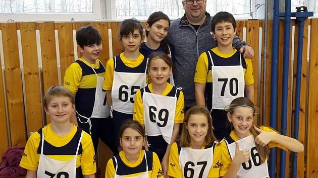 Výprava mladých jindřichohradeckých veslařů pod vedením trenéra Radima Staňka úspěšně reprezentovala na Labském čtyřboji ve Štětí.