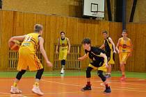 Kadeti BK Lions J. Hradec (ve žlutém). Ilustrační foto.