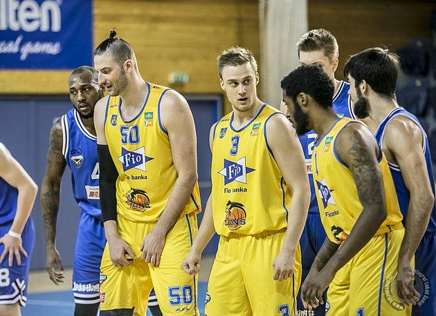 Jindřichohradečtí basketbalisté podlehli v prvním kole nadstavby USK Praha 70:73.