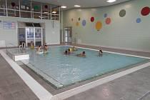 Jindřichohradecký plavecký bazén. Ilustrační foto.