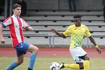Gabonský fotbalista Obiang Grace přišel do Jindřichova Hradce v zimní přestávce, aby pomohl diviznímu týmu k záchraně.